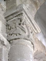 Eglise Saint-Pierre - English: Chapiteaux de l'église Saint-Pierre de Biollet (Puy-de-Dôme) 08