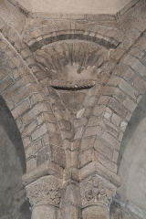 Eglise Saint-Fargheon - Deutsch: Katholische Kirche Saint-Fargheon in Bourg-Lastic im Département Puy-de-Dôme (Auvergne-Rhône-Alpes/Frankreich), Kapitelle unter der Kuppel