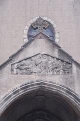 Eglise Saint-Etienne - Deutsch: Dorflirche Chambon-sur-Lac, Relief, Steinigundg des Stephanus