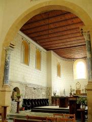 Ancien sanctuaire de Saint-Genes - Français:   Manglieu - Abbatiale Saint-Sébastien - Arc triomphal, choeur et abside