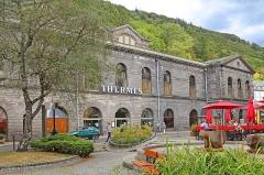 Etablissement thermal - Deutsch: Kurhaus in Mont-Dore, eine französische Stadt im Département Puy-de-Dôme.