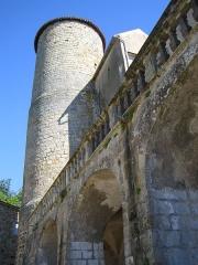 Château - English: Tower of the château de Ravel, Puy-de-Dôme
