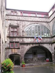 Hôtel de ville - Deutsch: Riom, Rathaus-Innenhof