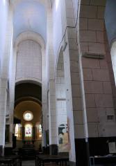 Eglise Sainte-Agathe - Français:   Ris - Eglise prieurale - Nef