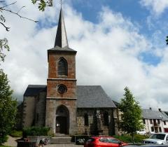 Eglise Saint-Donat - Français:   L\'église Saint-Donat de Saint-Donat, Puy-de-Dôme, France.