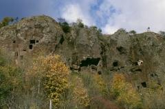 Eglise et grotte de Jonas - Deutsch: Grottes de Jonas