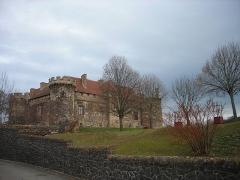 Ancien château fort - Français:   Château de Saint-Saturnin (Puy-de-Dôme)