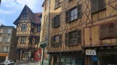 Ancien hôtel du Charriol, dit château ou maison du Piroux - Français:   Thiers 63