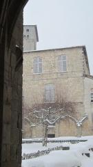 Ancienne abbaye de la Chaise-Dieu - Le cloître de l'abbaye de la Chaise-Dieu sous la neige