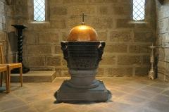 Eglise Saint-Gal - English: Langeac. Church of Saint Gal. Interior. Baptismal fonts.