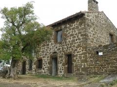 Ruines du château fort - Français:   Forteresse de Polignac, dans la comm. de Polignac, Haute-Loire, France (région Auvergne).