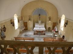 Eglise Saint-Maurice-de-Roche - Français:   Roche-en-Régnier, comm. de la Haute-Loire, France (Auvergne). Chapelle Notre-Dame-de-Bon-Secours, vue intérieure, prise de la tribune.