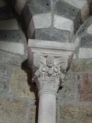 Eglise Saint-Georges -  Saint-Paulien, dép. de la Haute-Loire, France (Auvergne). Église paroissiale Saint-Georges, chapiteau.