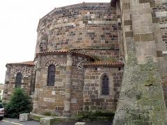 Eglise Saint-Georges -  Saint-Paulien, dép. de la Haute-Loire, France (Auvergne). Église paroissiale Saint-Georges, chevet.