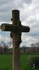 Croix dite Croix des Ages ou Croix de la Roi -  Croix des Âges, sculpture de la vierge sur l'arrière de la croix.