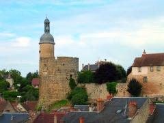 Château - Deutsch: Der Turm Qui Qu'en Grogne der Burg von Bourbon-l'Archambault