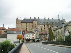Château de La Palice (également sur commune de Saint-Prix) - Deutsch:   Château Lapalisse (Puy-de-Dôme), Vorderfront