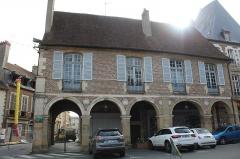 Bâtiment dit les anciennes Halles - Français:   Anciennes Halles de Moulins, Allier.