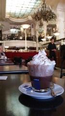 Grand Café -  Chocolat viennois au Grand café de Moulins (Allier), avril 2017.