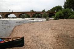 Pont de Regemortes - Deutsch: Moulins: Pont Régemortes (D945) Einwasserungsstelle im Unterwasser