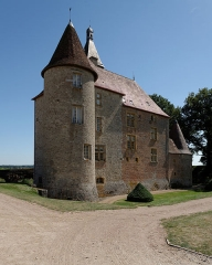 Château de Beauvoir - English: The castle of Beauvoir in Saint-Pourçain-sur-Besbre, Auvergne, viewed from the Northwest.