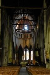 Eglise Sainte-Croix - Deutsch: Eglise Sainte-Croix de Saint-Pourçain-sur-Sioule: Chor