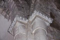 Eglise Sainte-Croix - Deutsch: Ste-Croix de Veauce, Kapitelle NW- Vierungspfeiler