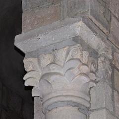 Eglise Sainte-Croix - Deutsch: Ste-Croix de Veauce, Kapitell Scheidewand- Arkade