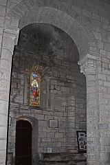 Eglise Sainte-Croix - Deutsch: Ste-Croix de Veauce, Scheidbogen zwischen Mittelschiff und südlichem Seitenschiff.