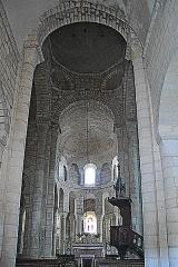 Eglise Sainte-Croix - Deutsch: Ste-Croix de Veauce, Vierung u. Chor aus Mittelschiff