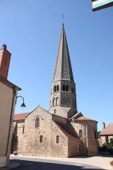 Eglise Saint-Martin - Français:   Église romane Saint Martin d'Ygrande, Allier, France