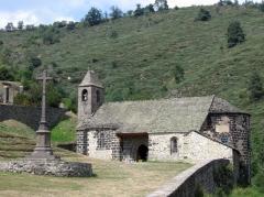 Eglise Saint-Illide - Français:   Chateau d\'Alleuze (Cantal); photographie personnelle mise dans le domaine public.