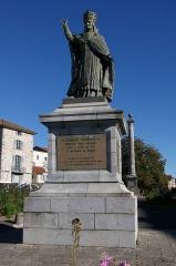 Statue du Pape Gerbert -  Statue du pape Gerbert appelé Sylvestre II, premier pape français par le sculpteur Pierre-Jean David dit David d'Angers