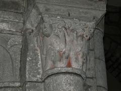 Eglise Saint-Jacques-le-Majeur - Chapiteau de l'église Saint-Jacques-le-Majeur, Lanobre, Cantal, France.