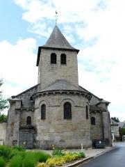 Eglise Saint-Jacques-le-Majeur - L'abside de l'église Saint-Jacques-le-Majeur, Lanobre, Cantal, France.