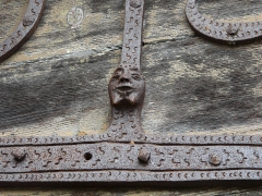 Eglise Saint-Jacques-le-Majeur - Penture du portail occidental de l'église Saint-Jacques-le-Majeur, Lanobre, Cantal, France.