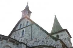 Eglise Saint-Georges -  vue arrière de l'église de Riom es Montagnes