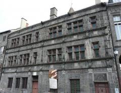 Maison consulaire - La maison consulaire, 17 place d'Armes, Saint-Flour, Cantal, France.
