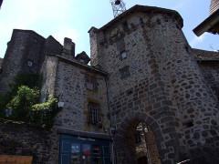 Beffroi appelé aussi Tour de l'horloge - English:   Salers, Cantal, FRANCE