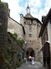 Beffroi appelé aussi Tour de l'horloge - English:   Belfry of the city of Salers (Cantal, France)