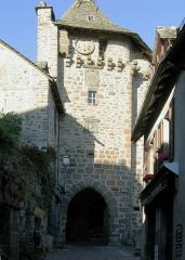 Beffroi appelé aussi Tour de l'horloge - Deutsch:   Salers, Porte du Beffroi. andere Versionen: keine