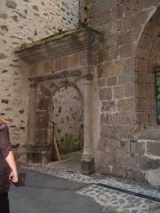 Gendarmerie dite Maison du Président (ancien Hôtel-Dieu) - Français:   Il s\'agit ici de l\'ancien hôtel de la famille de Pierre Lizet, qui fonda le premier hospice de la cité de Salers