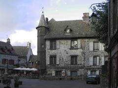 Maison de Flogeac - Deutsch:   Salers, Großer Platz und Ancien Baillage (alte Vogtei). andere Versionen: keine