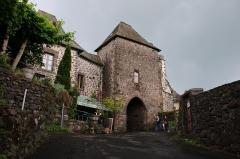 Porte Martille - Français:   La porte du village de Salers