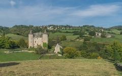 Château - English: Château de Réghaud in Sénezergues, Cantal, France