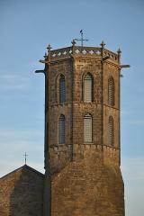 Eglise du Saint-Sacrement - Français:   Clocher de l\'église du Saint-Sacrement de Laroque-d\'Olmes (Ariège, France).