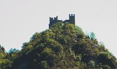 Ruines du château d'Arquizat - English: miglos1