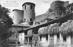 Murailles gallo-romaines - Français:   L\'Ariège - 1655 - St-Lizier - Vieux Remparts et Clocher de la Chapelle de l\'Asile