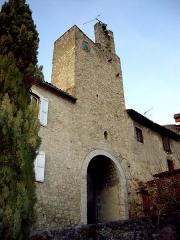 Murailles gallo-romaines - Français:   Porte de la cité de Saint-Lizier (Ariège, France).