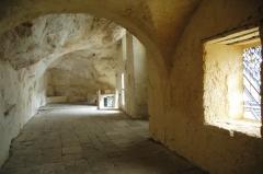 Eglise de Peyre - Español: Peyre. Interior de la iglesia troglodítica del siglo XI